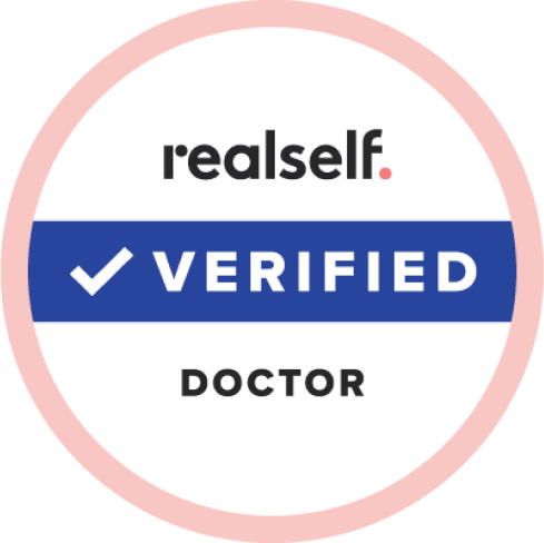 Doctor verificado por RealSelf